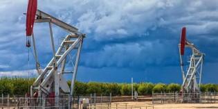 Giá dầu cuối tuần tăng hơn 2%